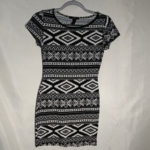 Forever 21 black and white dress size small
